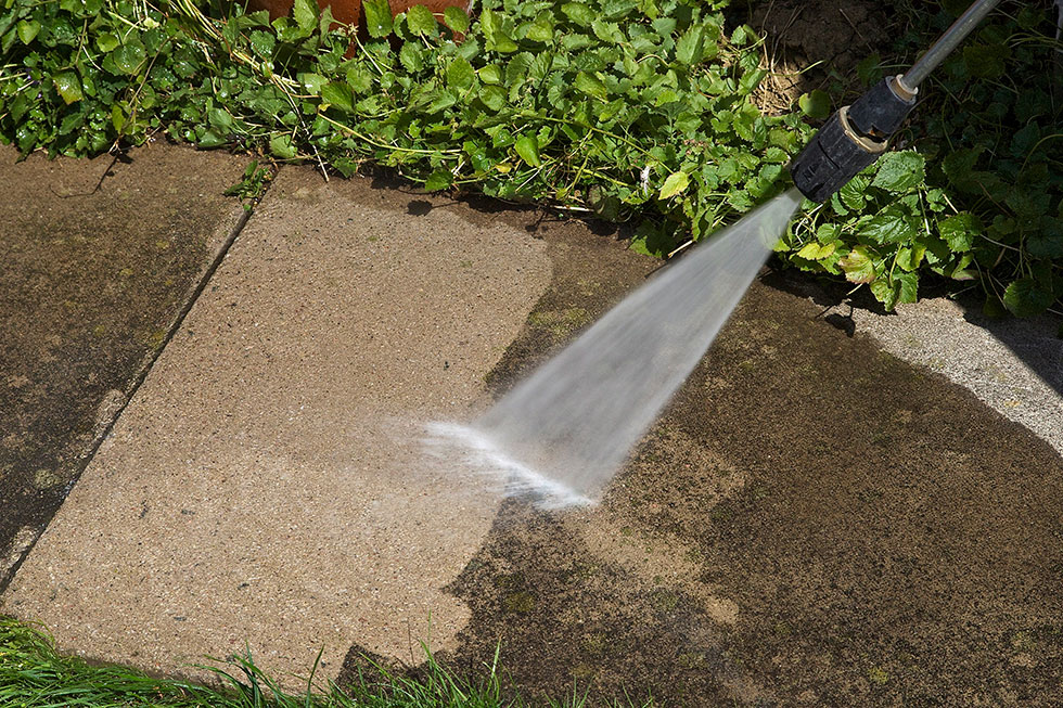 What Kind of Pressure Washing Equipment Do the Pros Use?